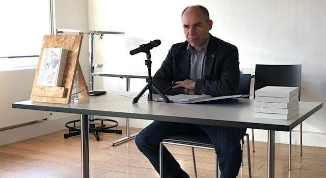 Frank Mause hat im Hallenberger Kump gelesen