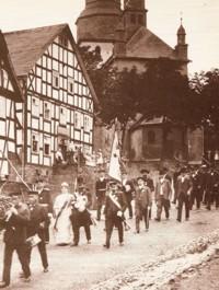 Schützenfestzug vor dem Kump (vor 1908).